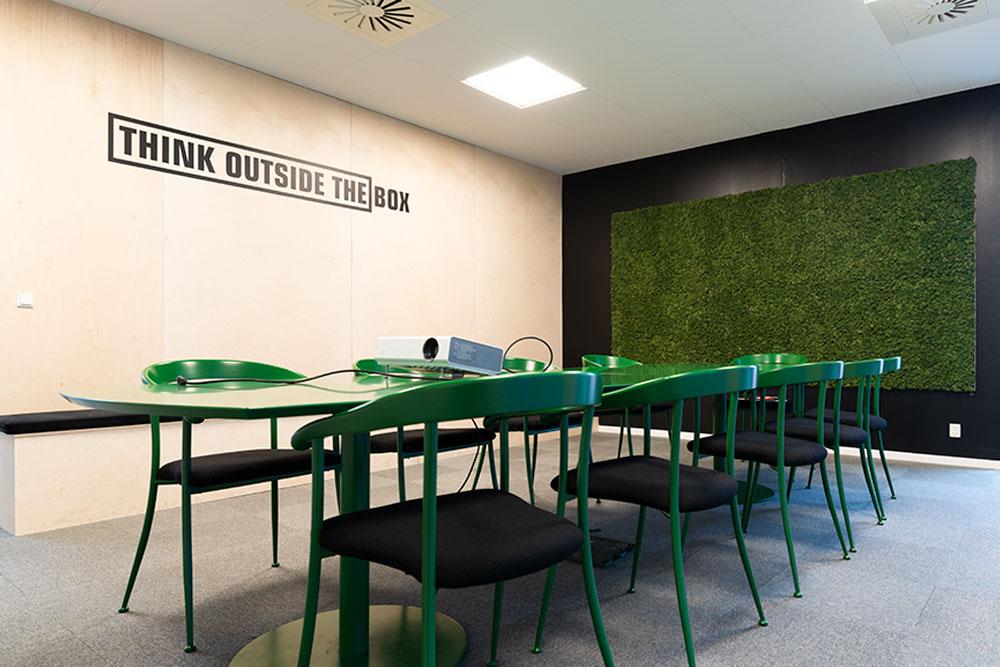 mosvæg, citatvæg, mødelokale, Ole Larsen