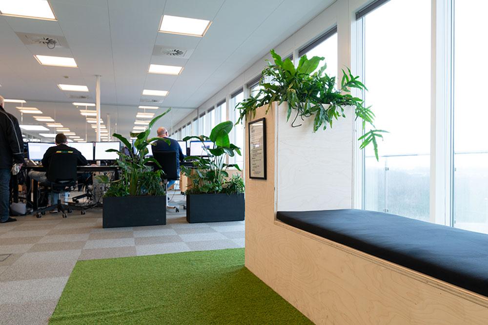 retro indretning, bænk, vilde planter, Ole Larsen