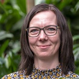 Britta Holm Poulsen, kontorindretning, med planter, planteindretning